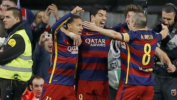El Barsa vapuleó al Madrid en su casa... ¡y volvió Messi!
