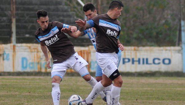Victoriano Arenas: Quedó la mitad del plantel y se prueban jugadores