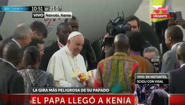 El Papa llegó a Kenia: Lo único peligroso son los mosquitos