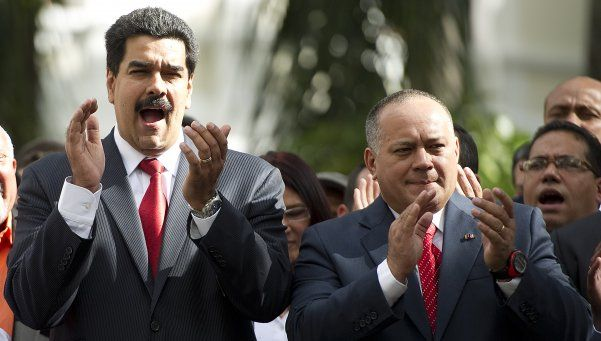 Venezuela: Cabello dice que los opositores montan los ataques