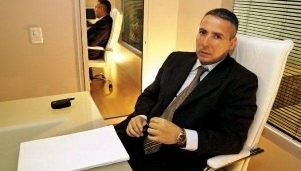Víctor Stinfale está habilitado para ejercer la profesión