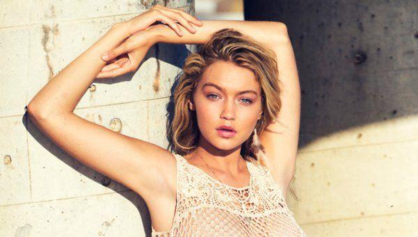 Chantajean a una famosa modelo con revelar sus fotos hot