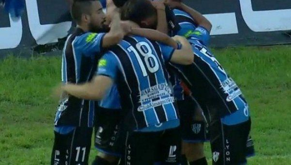 Almagro goleó y está a un paso de la B Nacional