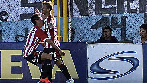 Estudiantes ganó en Bahía y rumbea hacia la Copa