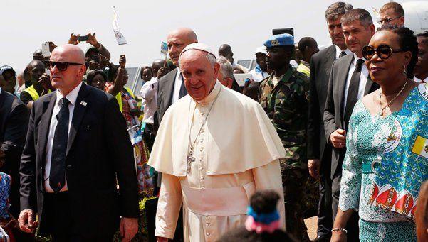 El Papa llamó a perder el miedo en el cierre de su gira por África