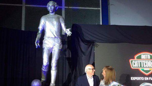 Carlos Bianchi ya tiene su estatua en Vélez