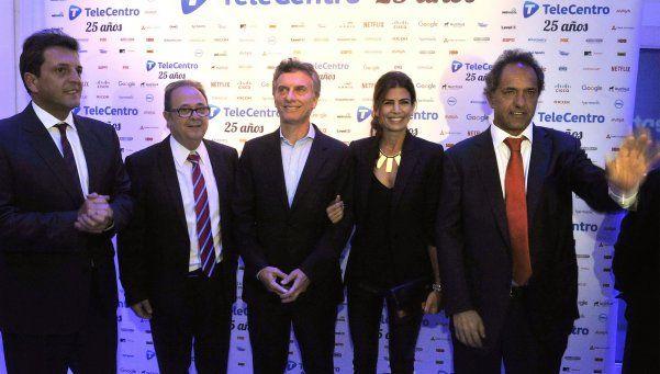 La foto de Macri, Scioli y Massa: juntos en gala empresarial