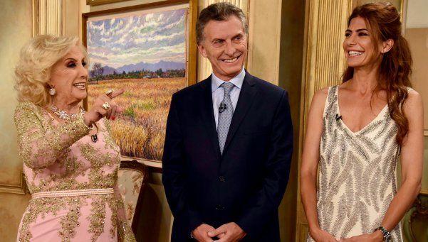Macri con Mirtha: Si la presidenta no entrega los atributos, lo hará la Corte
