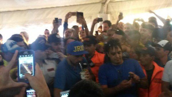Riquelme, con gorra y mate, fue a votar en las elecciones de Boca
