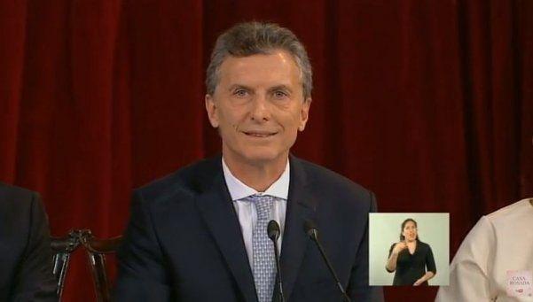 Macri convocó a los gobernadores a una reunión
