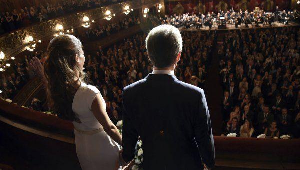 Anochecer de un día agitado: Macri finalizó con una gala en el Colón