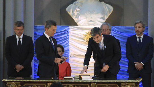 Los primeros decretos de Macri: las modificaciones en el Gabinete
