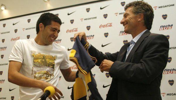 Riquelme dijo que Macri llegó gracias a Boca y le mangueó un asado