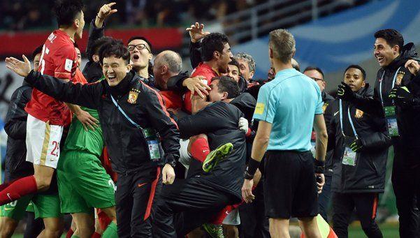 Guangzhou dio el batacazo, venció al América y será rival del Barsa