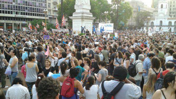 Una multitud defendió la Ley de Medios en Plaza de Mayo
