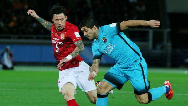 Con un triplete de Suárez, Barcelona goleó y jugará la final con River