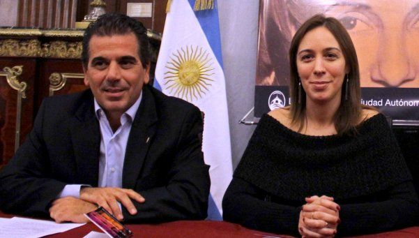 Echan a jefe de custodia por presunto espionaje a Vidal