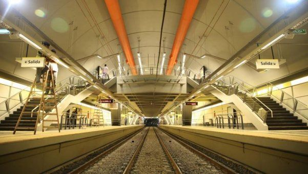 Macri inauguró dos estaciones de subtes y anunció más Metrobús