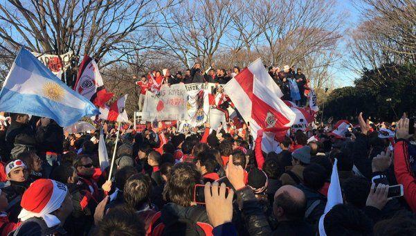 Japón, paralizado por un nuevo banderazo de hinchas de River
