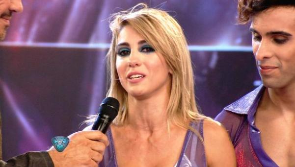 Desvalijaron a Cinthia Fernández mientras se presentaba en el Bailando