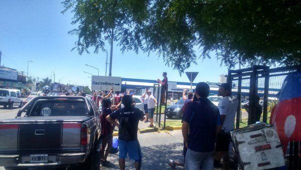 Vuelta a Boedo: manifestaciones en varias sucursales de Carrefour