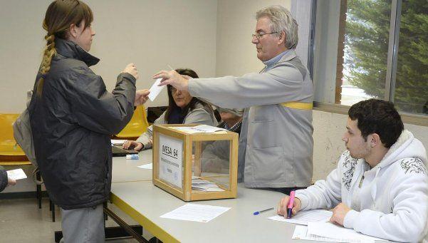 Elecciones en España con dudas y sin un claro favorito