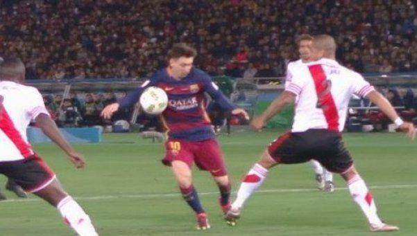 La polémica: ¿hubo mano de Messi en el primer gol?