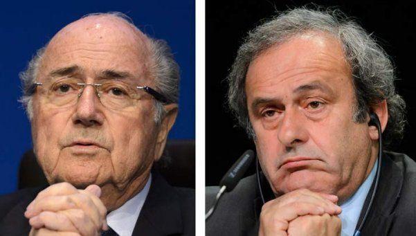 La FIFA suspendió a Blatter y a Platini por ocho años