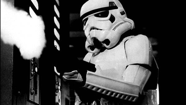 """Pasó al lado oscuro: mató a hombre que le """"spoileó"""" Star Wars"""