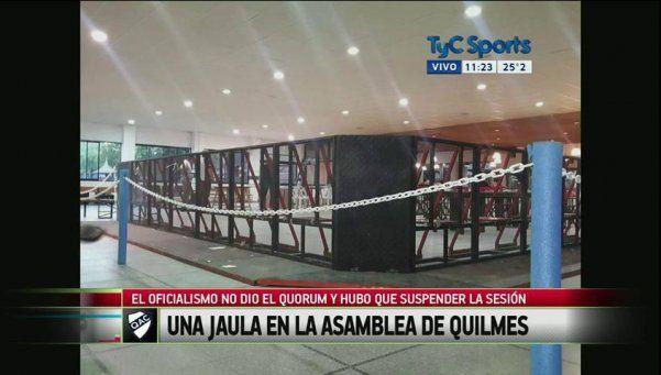 En Quilmes montaron una jaula y se suspendió la Asamblea