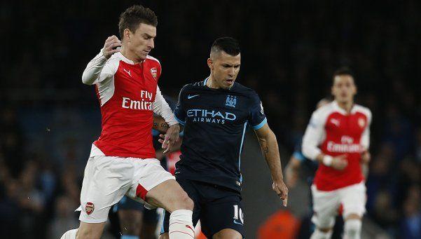 Premier: Arsenal derrotó con sufrimiento al City y es escolta de Leicester