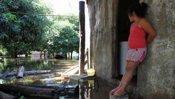 Cientos de evacuados en seis provincias por crecida de ríos