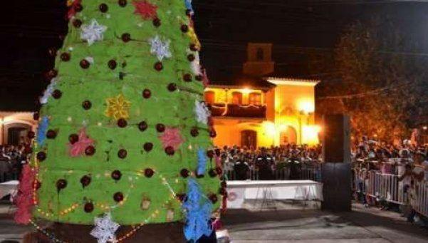 Presentaron el pan dulce de Navidad más grande del mundo en Salta