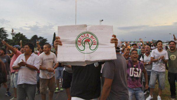 Tras la tensión, trabajadores de Cresta Roja liberan la Ricchieri