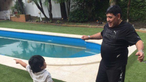 Diego se dio el gusto de hacer un picadito con su hijo