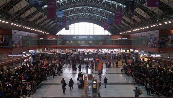 Explosión en aeropuerto de Estambul dejó un muerto