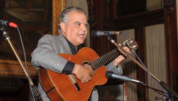 José Curbelo: noticias payadas en la Folklórica