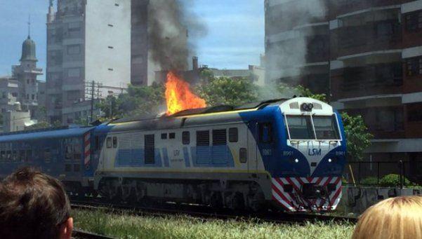 Se incendió una locomotora del San Martín en pleno recorrido