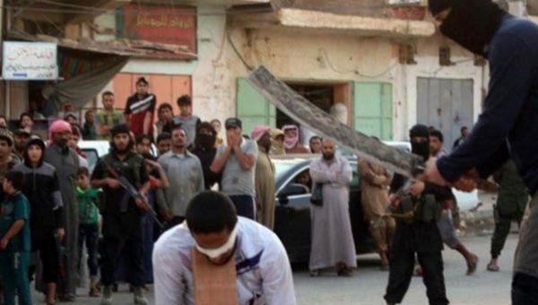 ISIS decapitó 10 de sus terroristas por escaparse de una batalla