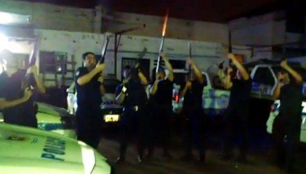 Policías mendocinos festejaron Navidad con escopetazos al aire