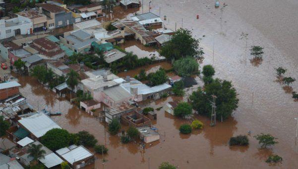 La lluvia continuará en el Litoral y decretan alerta amarillo en Capital