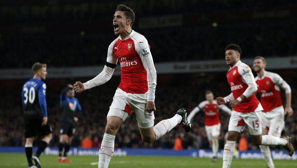 Premier: Arsenal ganó y le arrebató la punta a Leicester