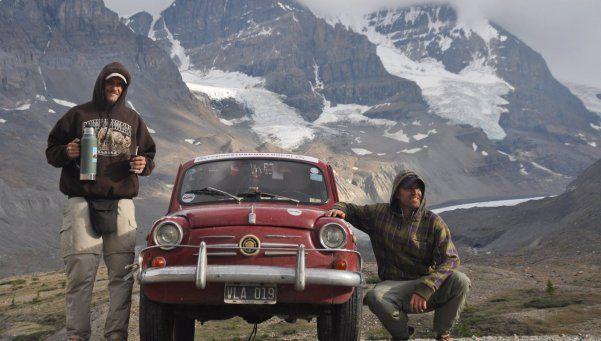 """""""Llegar a Alaska"""": un viaje, dos amigos y un Fiat 600"""
