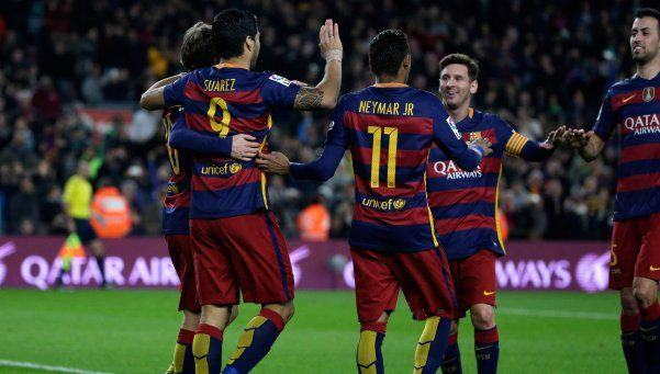 Barcelona goleó a Betis en el partido 500 de Messi