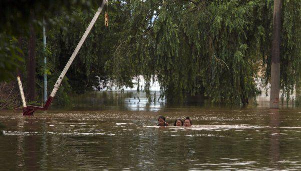 Inundaciones: más de 30 mil argentinos recibirán el 2016 lejos de sus casas