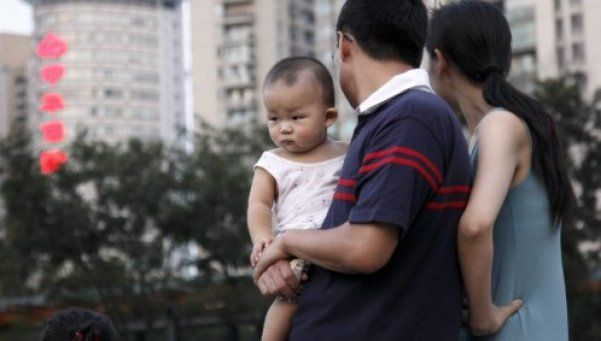 China: después de 35 años, los matrimonios pueden tener 2 hijos