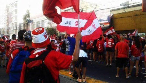 Hinchas del Rojo festejaron los 111 años del club