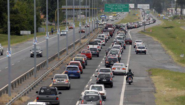 Vacaciones en la Costa: más de 2 mil autos por hora pasan por la ruta 2