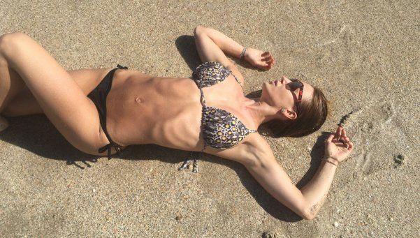 Jésica Cirio, mojada y muy hot en la playa
