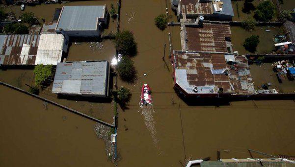 El Ministerio de Defensa extiende apoyo a evacuados por la emergencia en el litoral